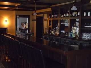 Bar at Pompey's grill