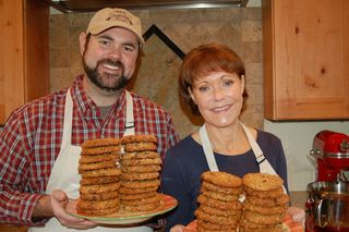 Deb and Jer Bake Cookies