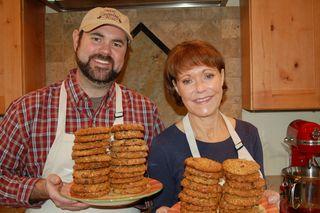 Deb and Jer Bake Cookies